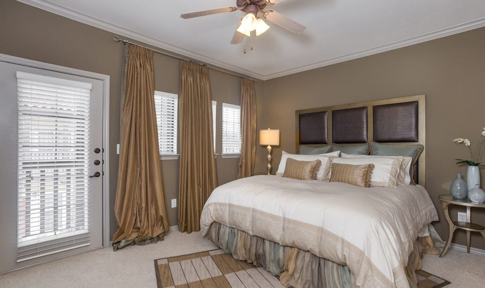 Beautiful bedroom at apartments in Dallas