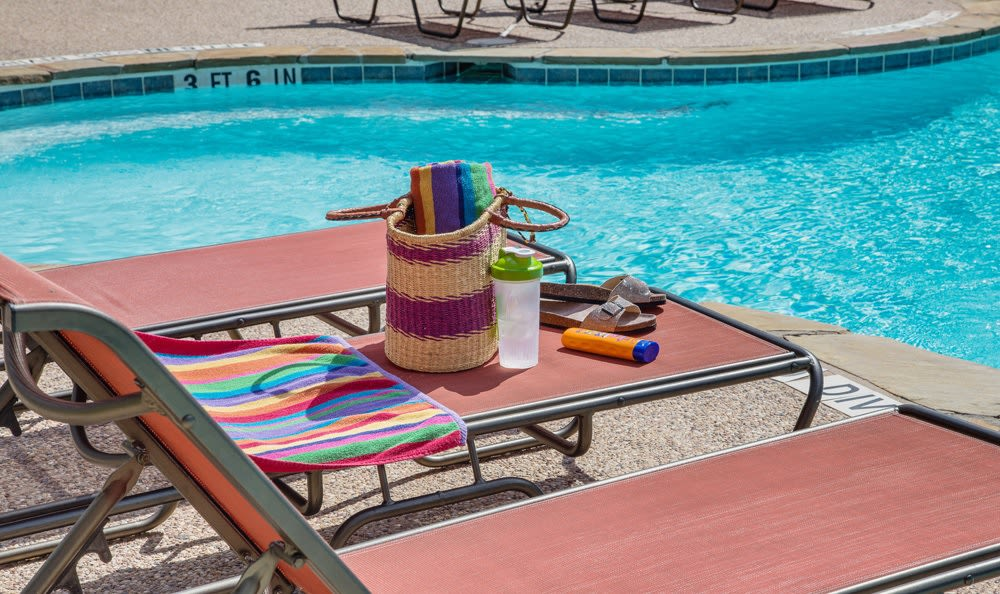 Swimming pool amenities at our Austin, TX apartments