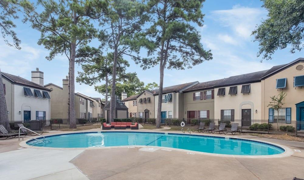 Houston apartments pool