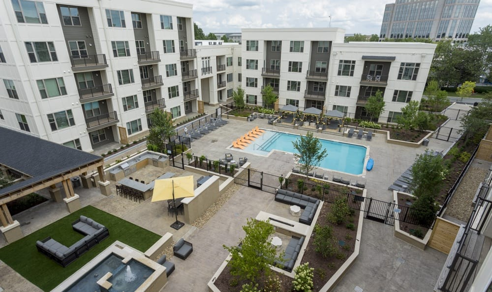 Outdoor community amenities at luxury apartments in Durham