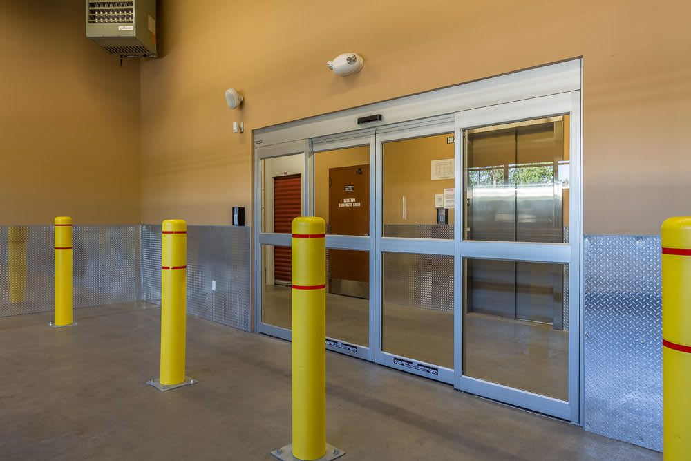 Wide-access loading zone doors make self storage easy in Portland, OR