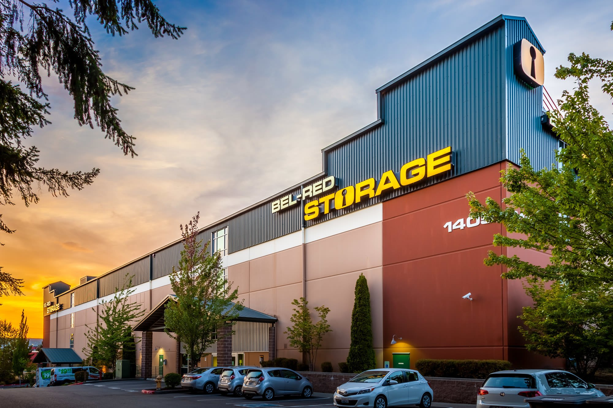 Exterior of self storage facility in Bellevue, Washington