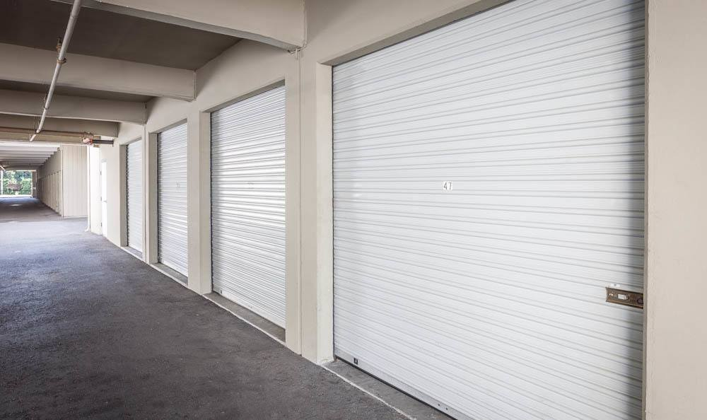Self storage facility in Renton has wide driveways
