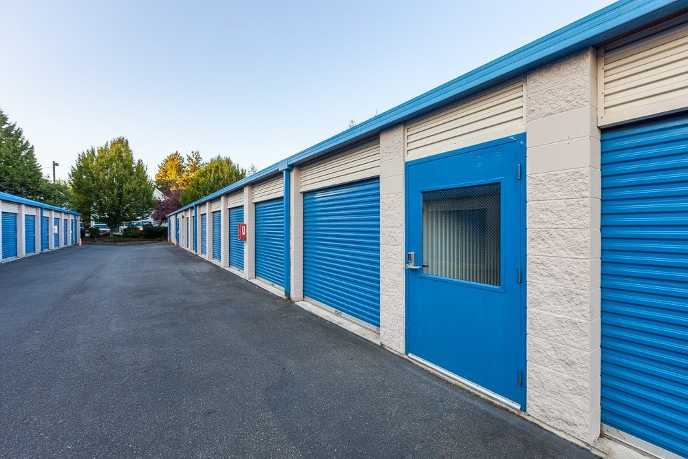 Exterior self storage units in Snohomish, WA