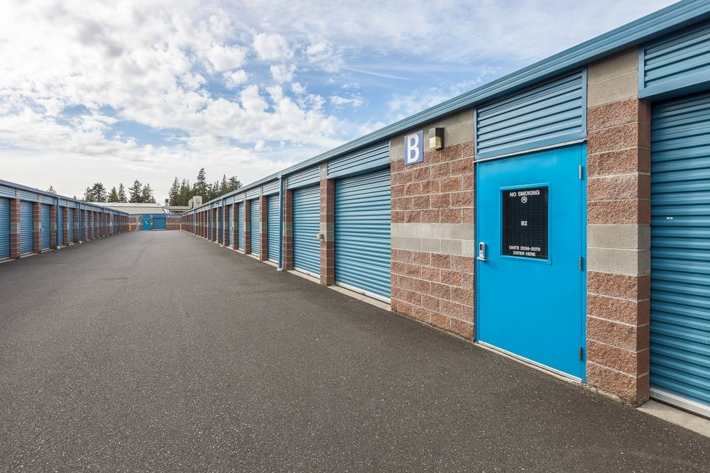 Exterior self storage units in Lynden, WA