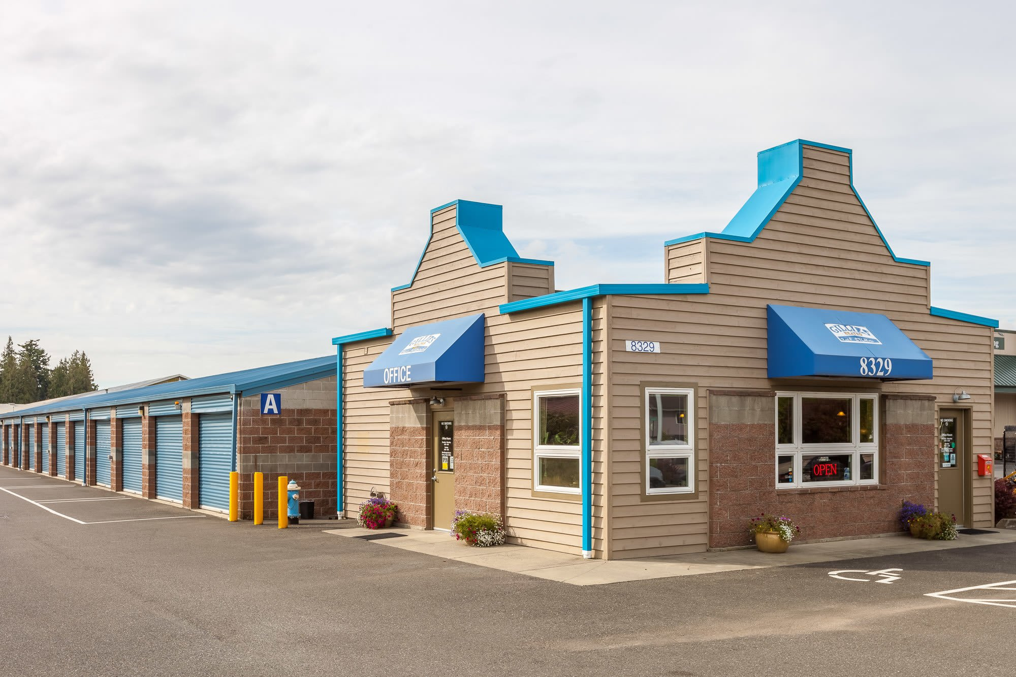Exterior of self storage facility in Lynden, Washington
