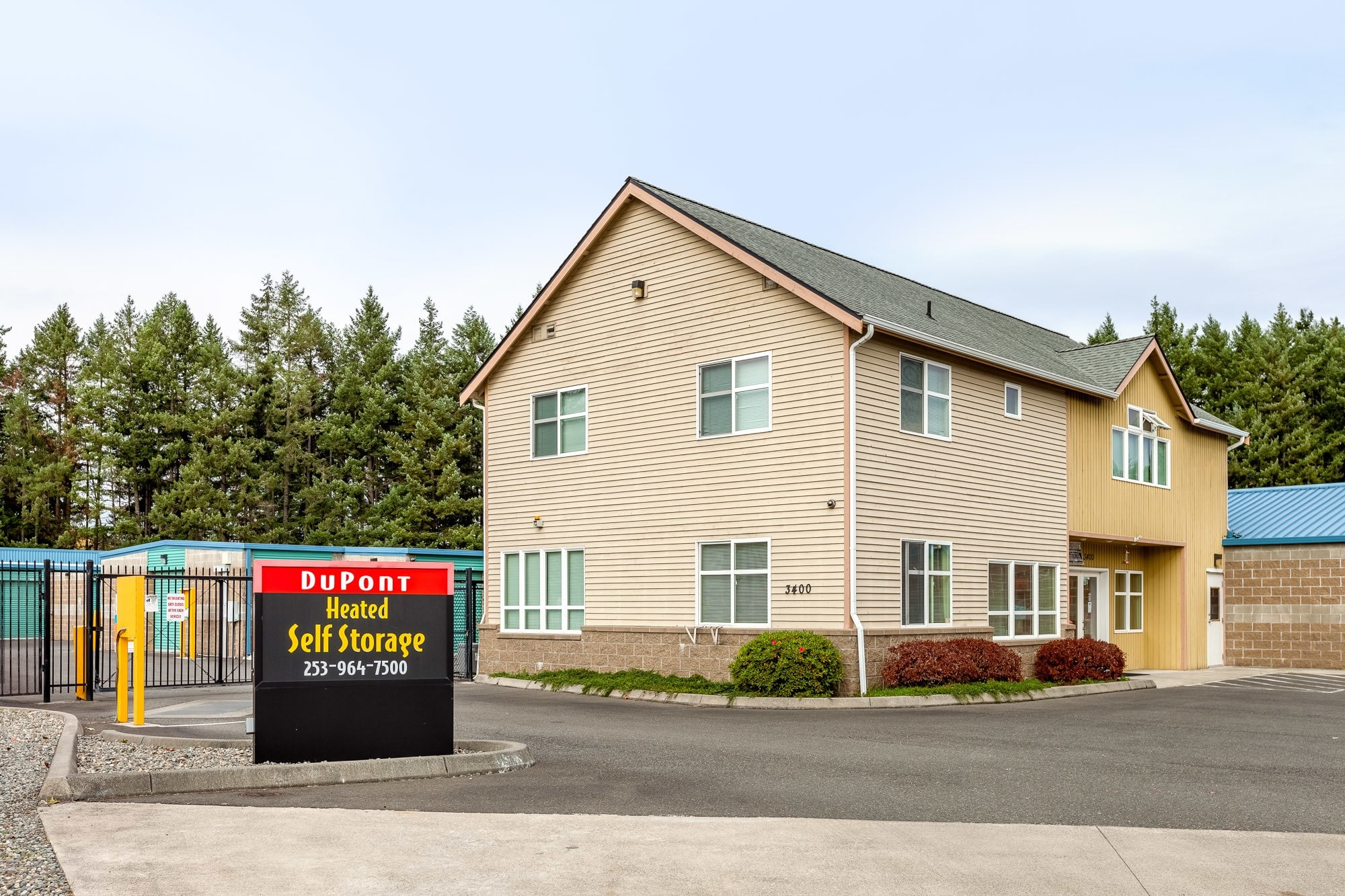 Exterior of self storage facility in DuPont, Washington
