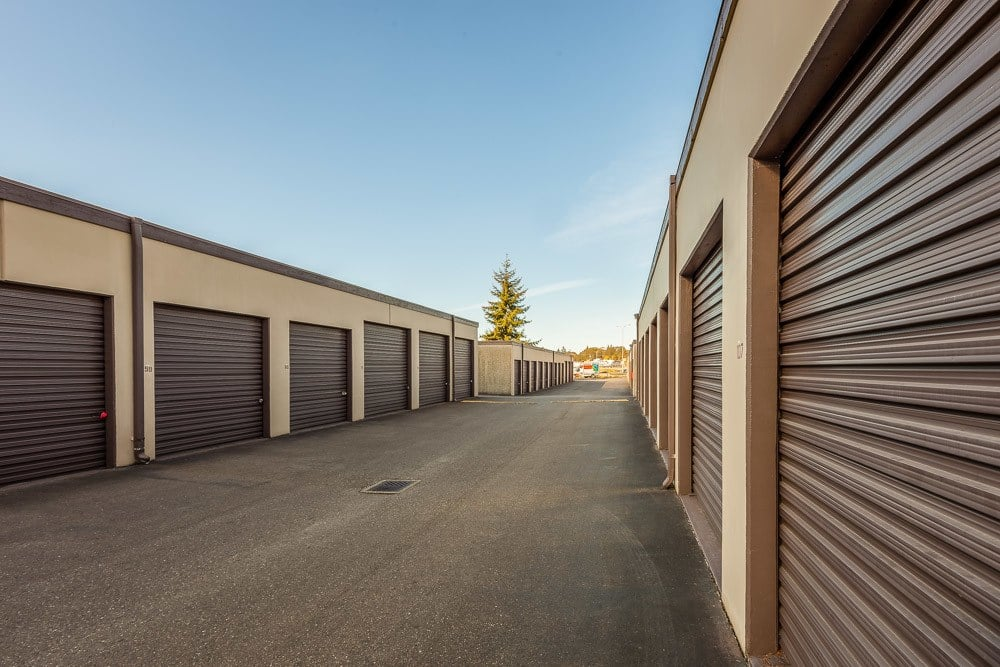 Exterior self storage units in Lakewood, WA