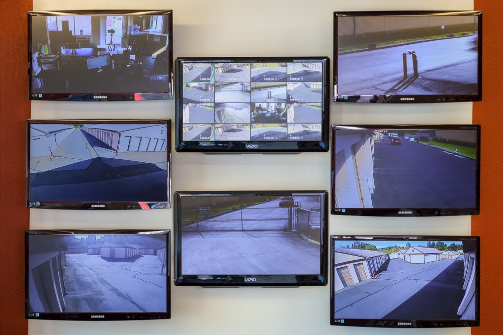 Security monitors keep self storage safe in Kenmore, WA