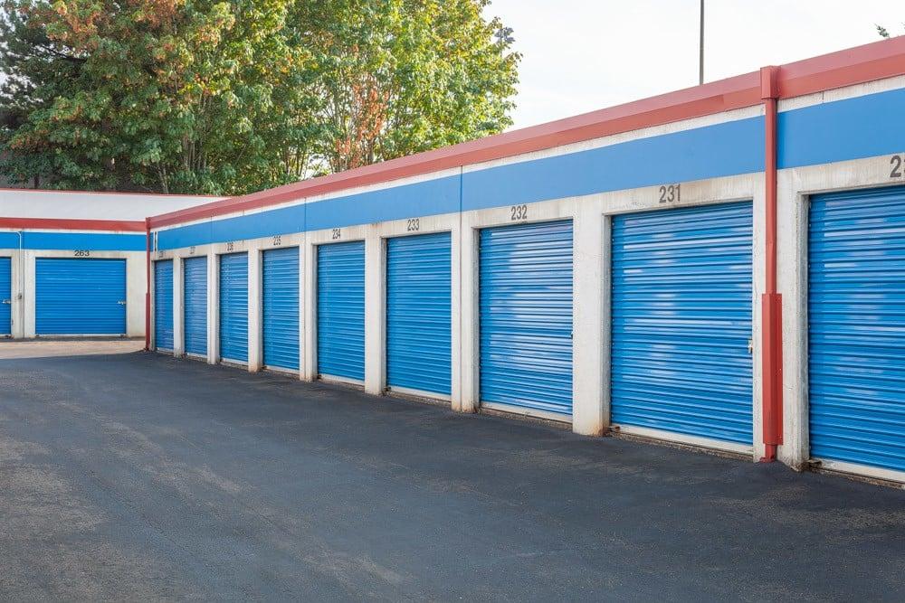 Exterior self storage units in Redmond, WA