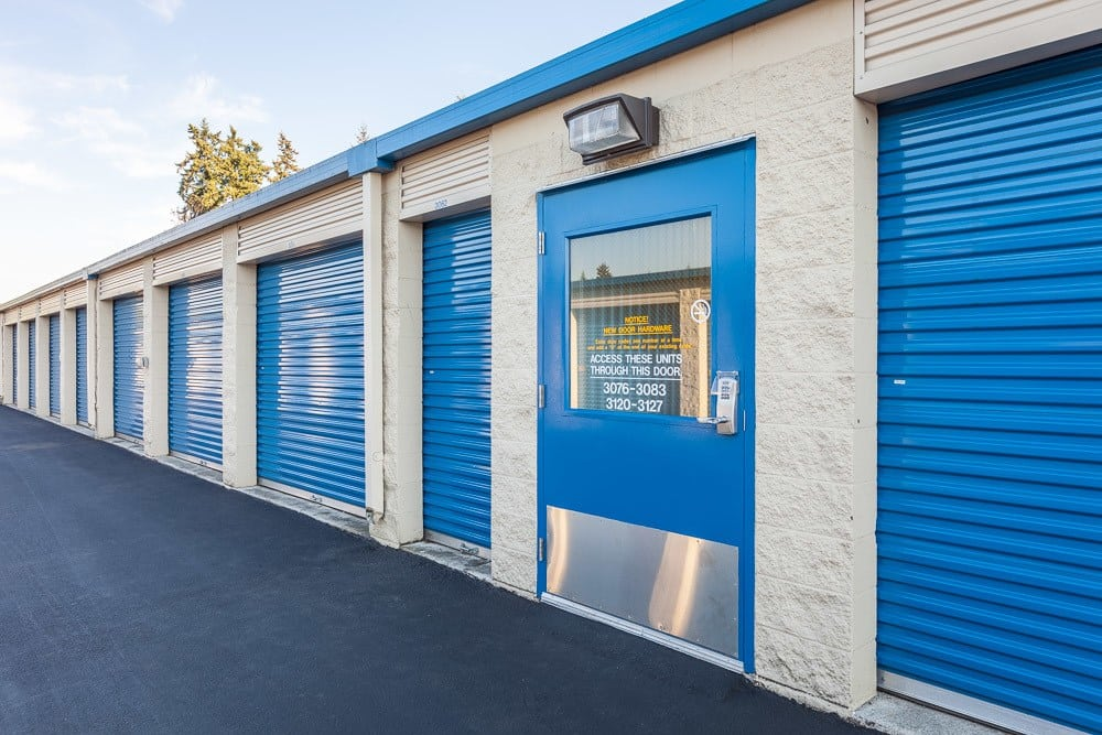 Exterior self storage units in Marysville, WA