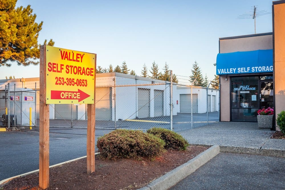 Front view of self storage facility in Kent, WA