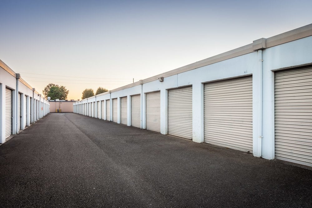 Exterior self storage units in Kent, WA