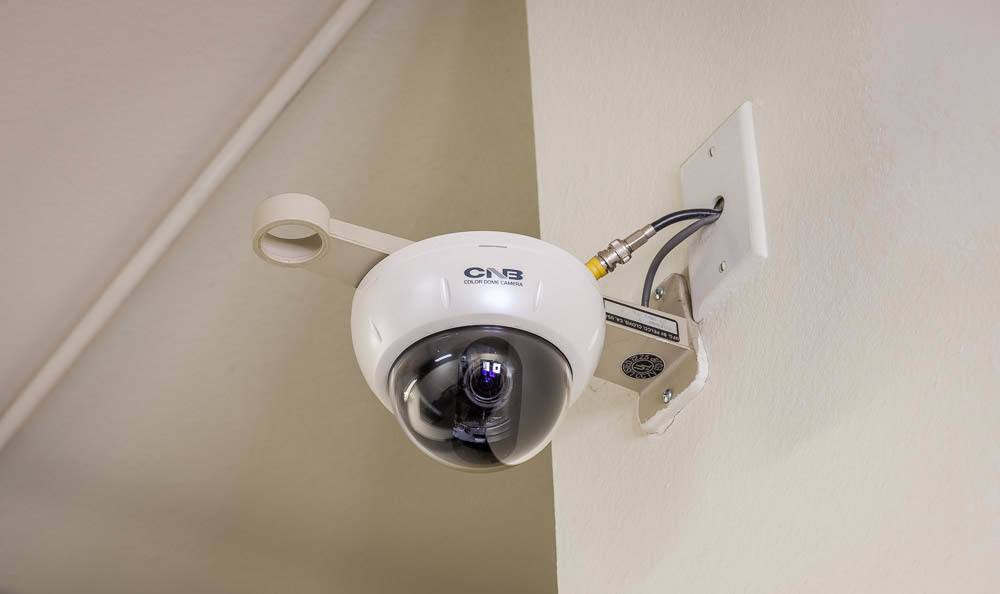 Self storage facility in Seattle has security cameras