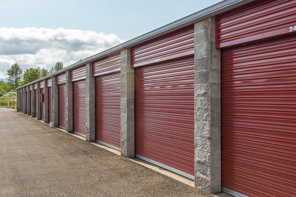 Exterior self storage unit in Philomath, OR