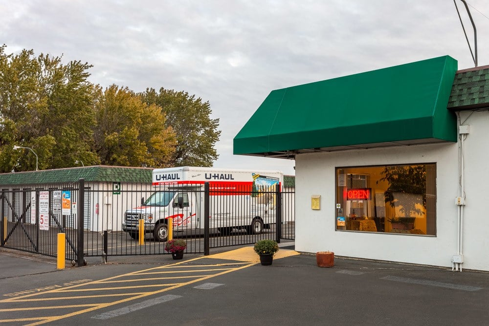 Exterior front view of self storage office and gate in Yakima, WA