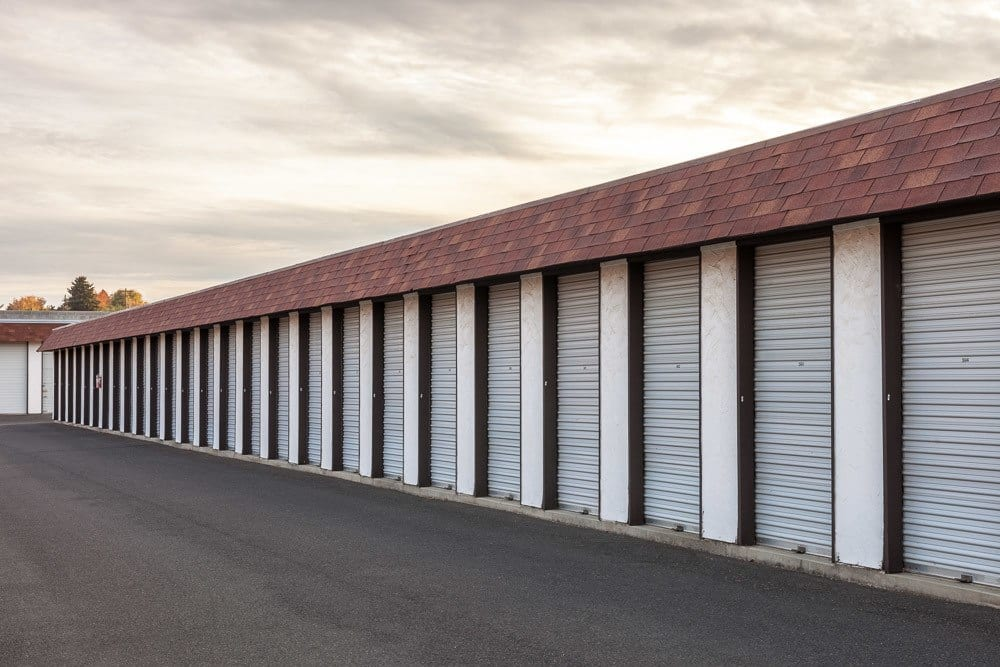 Large exterior self storage unit doors in Yakima, WA.