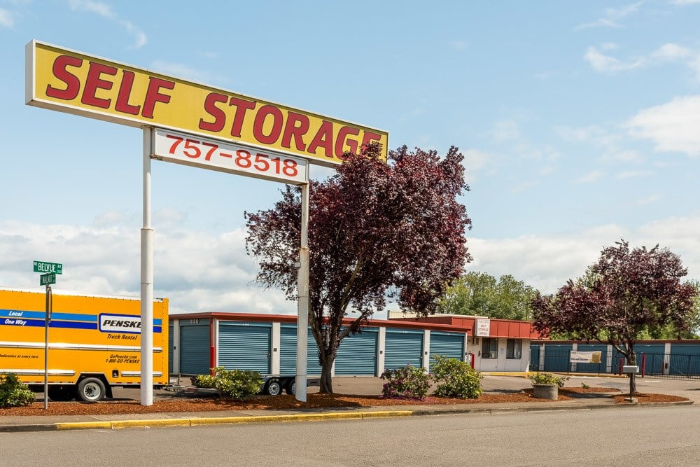 Sign directing you towards your self storage needs in Corvallis, OR