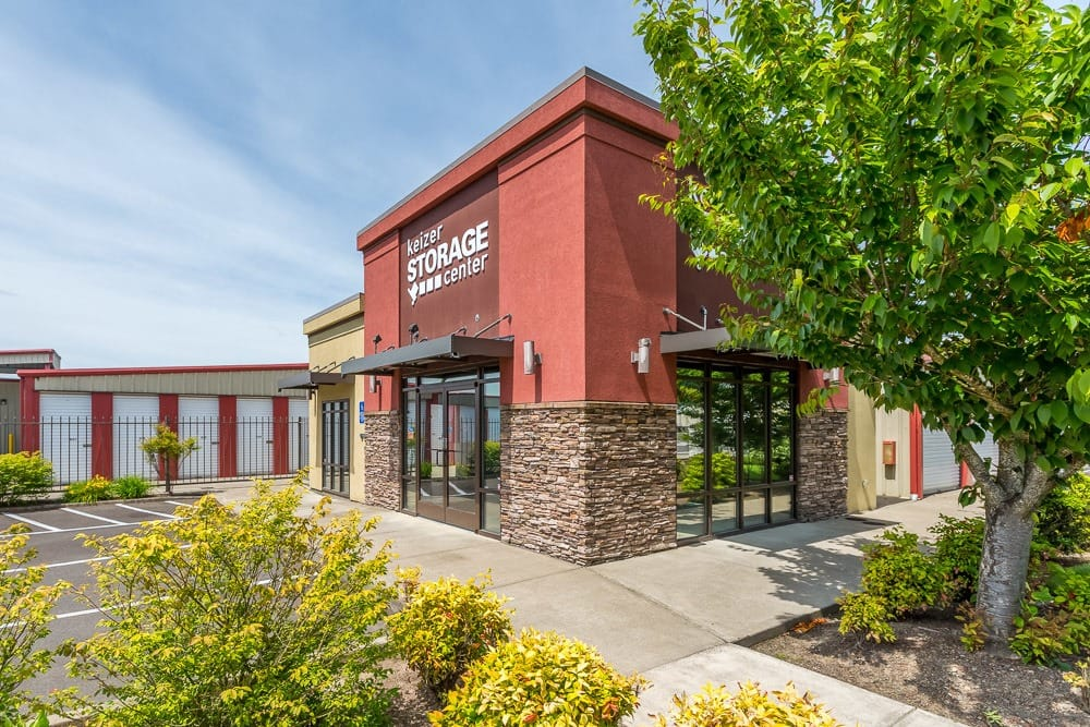 Exterior of self storage office in Keizer, OR