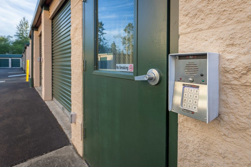 Keypad entry to self storage in Everett, WA
