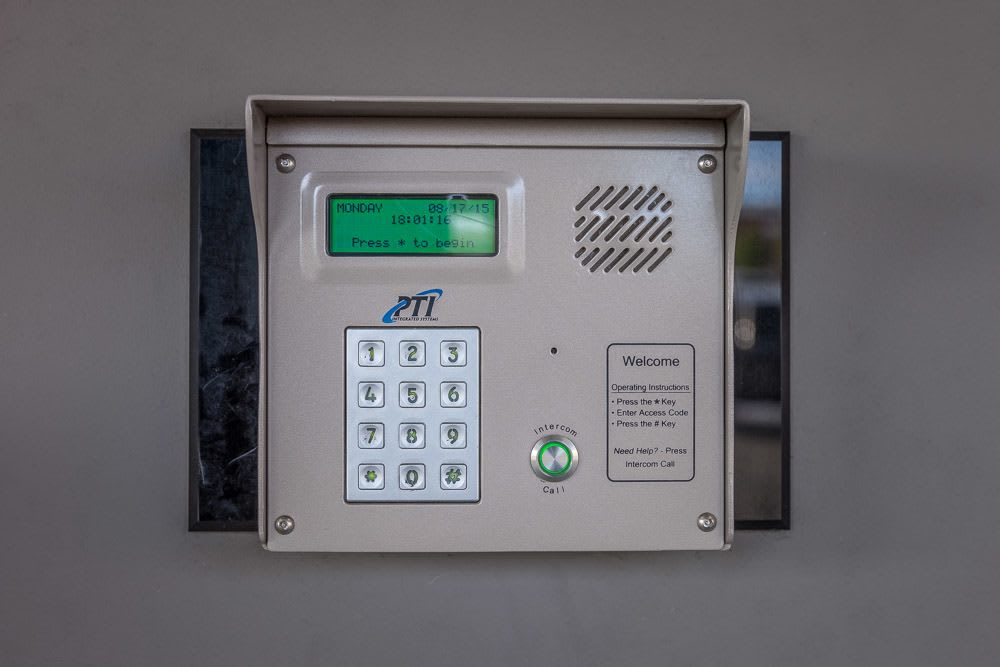 Keypad keeps your storage safe in Issaquah, WA.