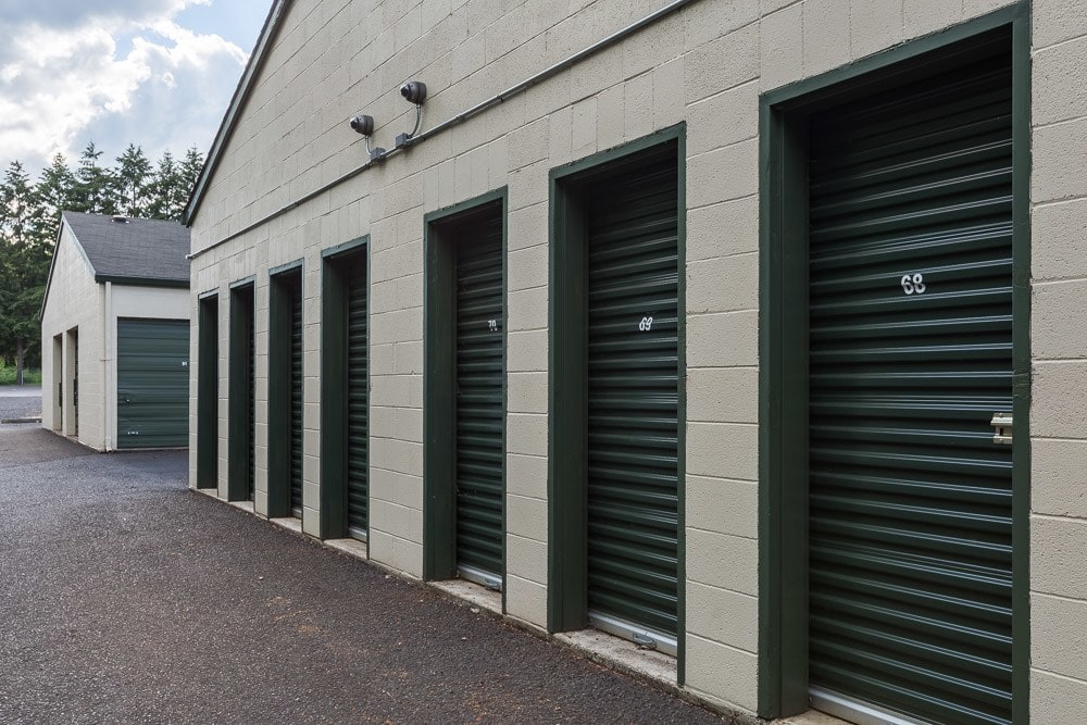 Exterior self storage units located in Vancouver, WA.