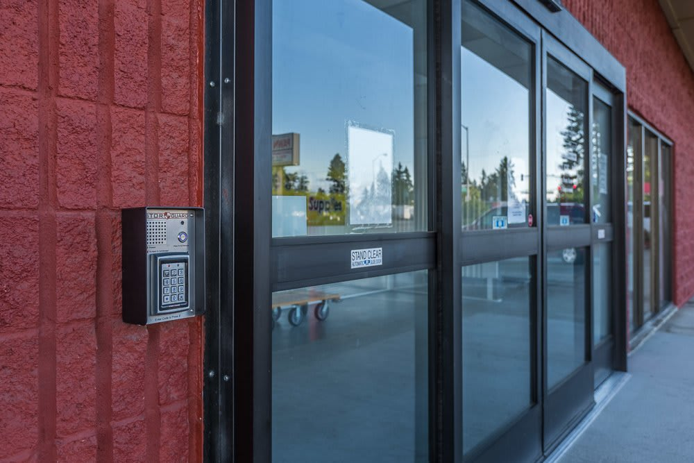 Loading zone with easy access to self storage in Vancouver, WA