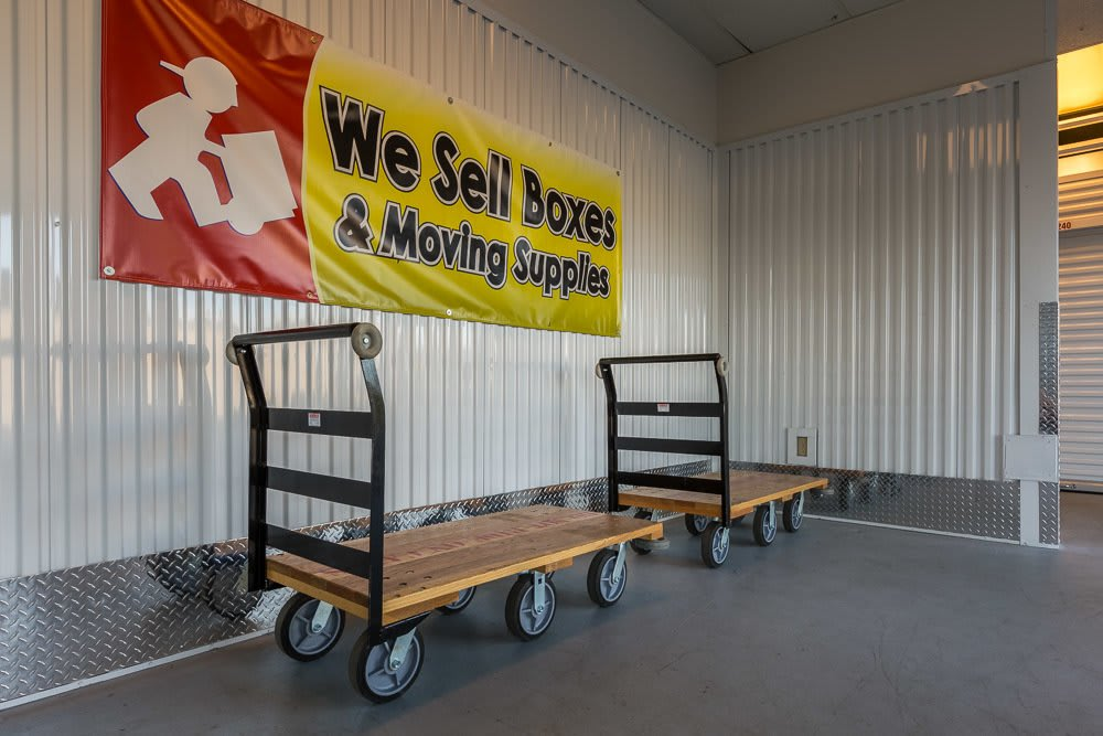 Vancouver, WA self storage facility with dollies to help your move.