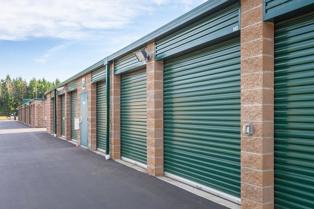 Exterior self storage units in Puyallup, WA.
