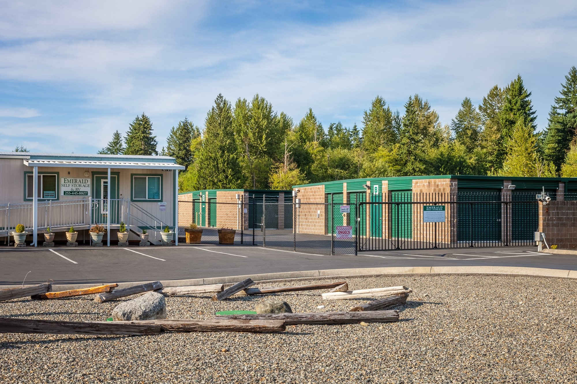 Self storage for all of your needs in Puyallup, WA