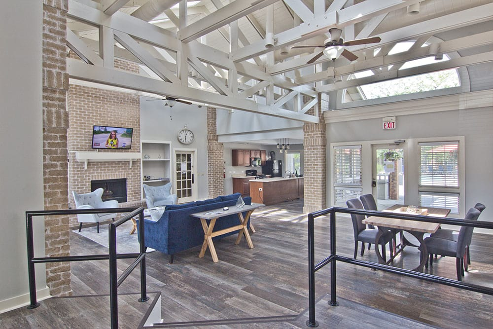 Perry's Crossing Apartments offers a modern clubhouse in Perrysburg, Ohio