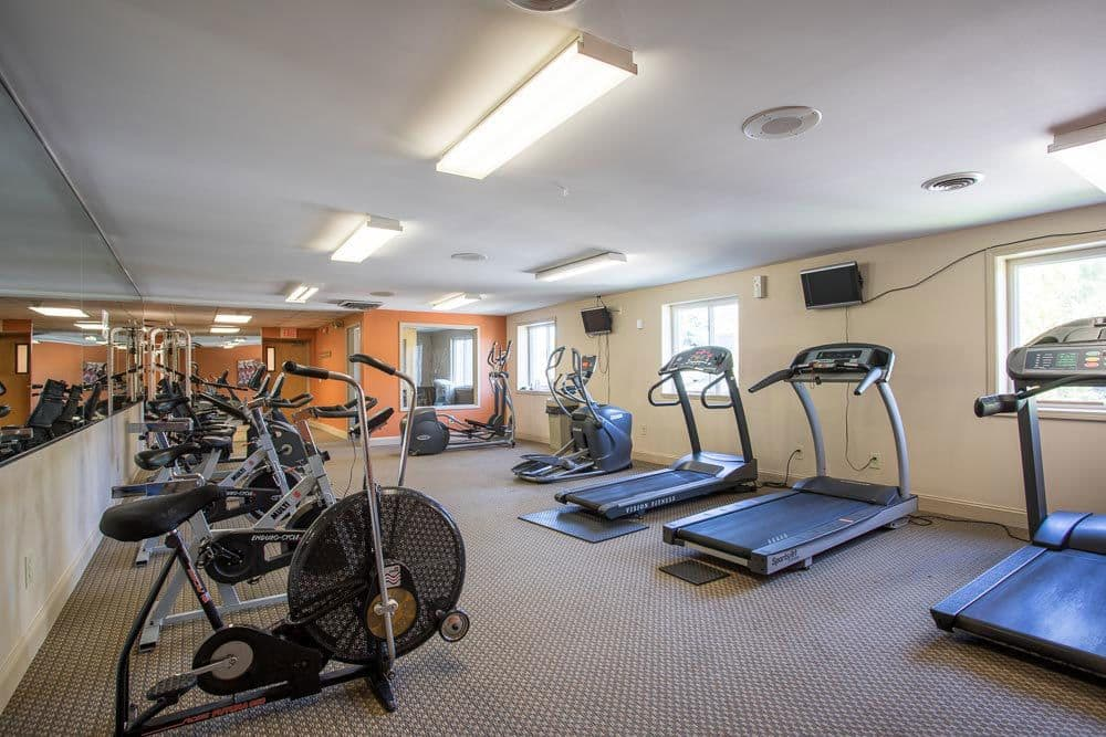Fitness center at Idylwood Resort Apartments