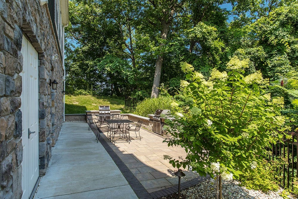 Exterior Patio at Waters Edge Apartments