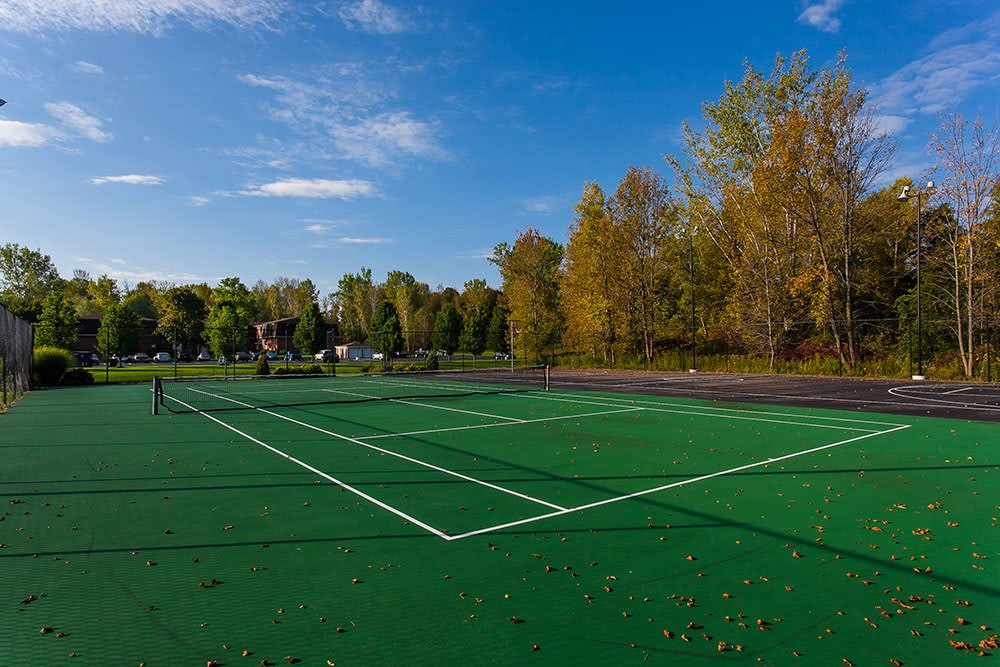 Apartments with tennis courts in Brockport NY