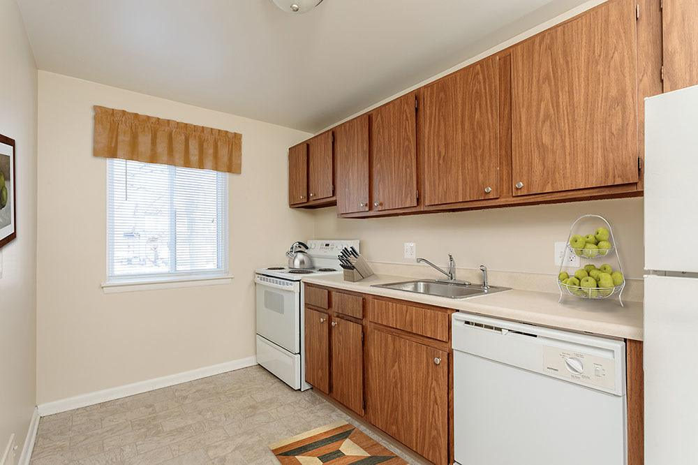 Example kitchen at Willowbrooke Apartments and Townhomes