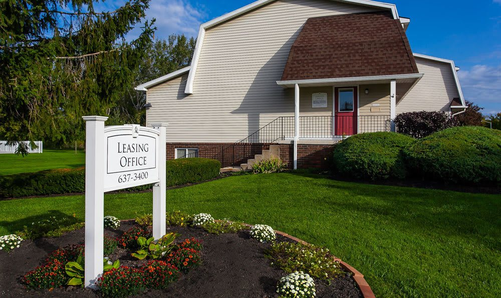 apartments available to rent in Brockport NY front entrance