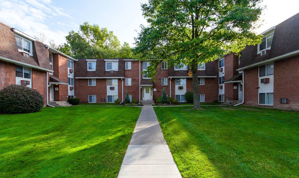 beautiful landscaped area our apartments to rent in Brockport NY