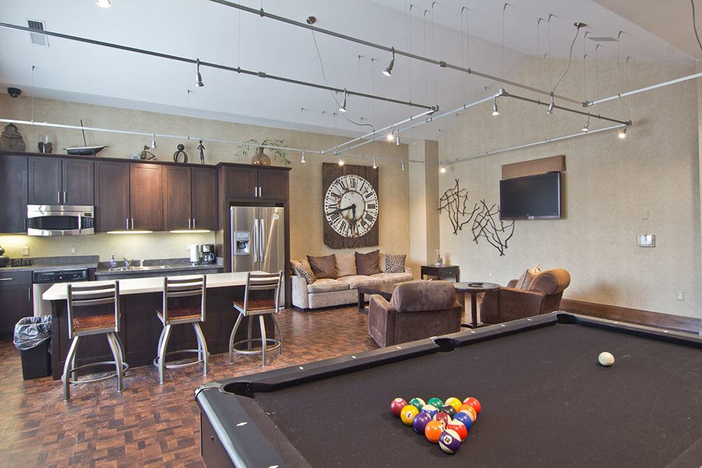 Chelsea Place offers a great for entertaining room in Toledo, OH