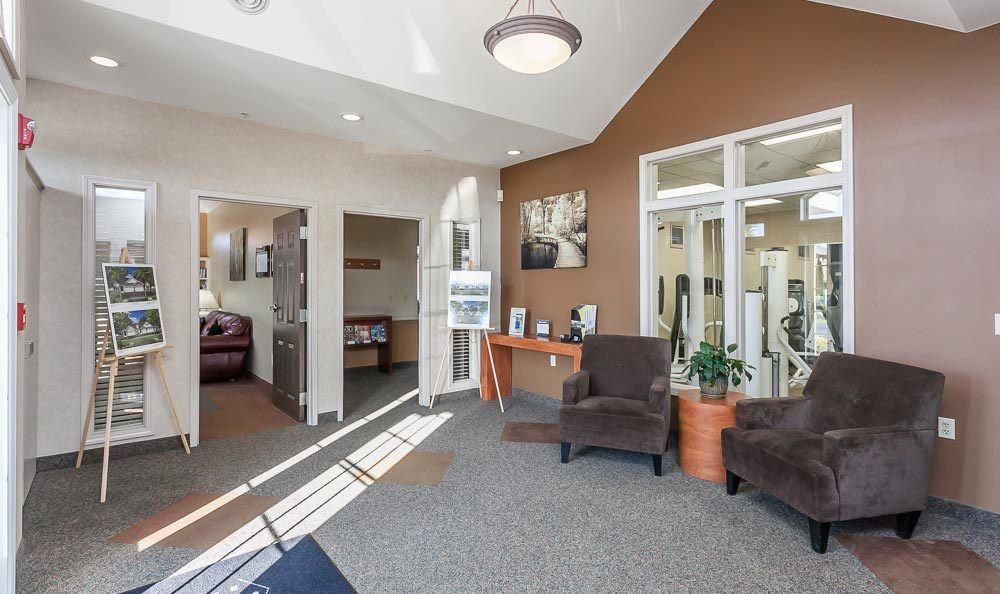 Call CenterPointe Apartments and Townhomes home!