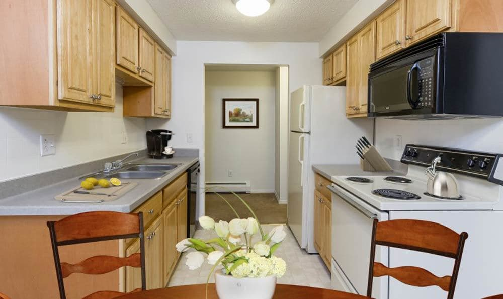 Example kitchen at Glenbrook Manor Apartments