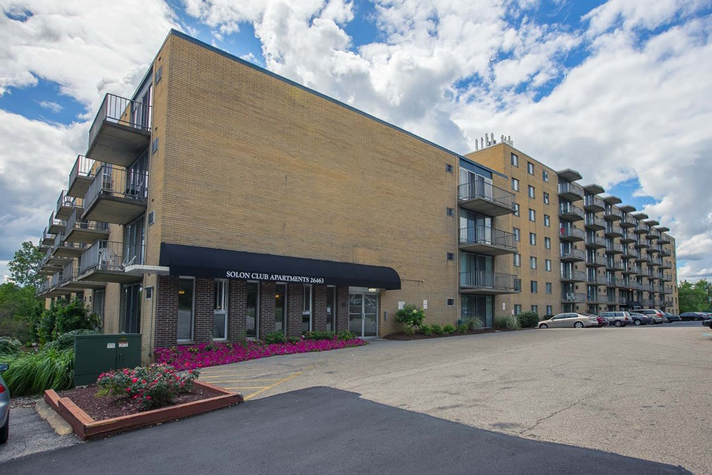 You have arrived at Solon Club Apartments in Oakwood Village