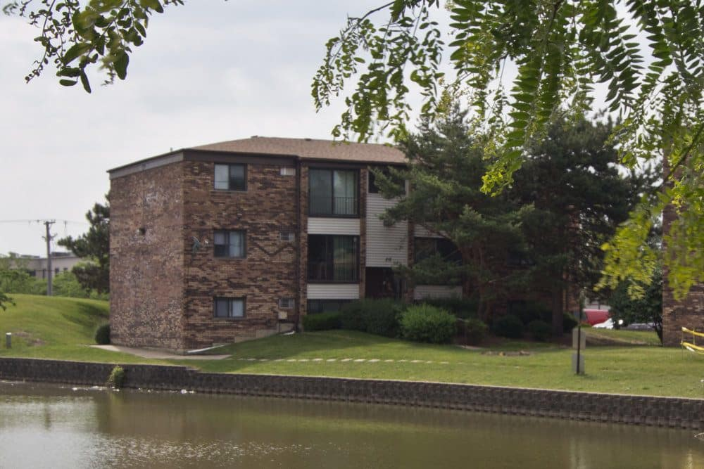 Pet Friendly Apartments at The Flats at Gladstone in Glendale Heights, IL