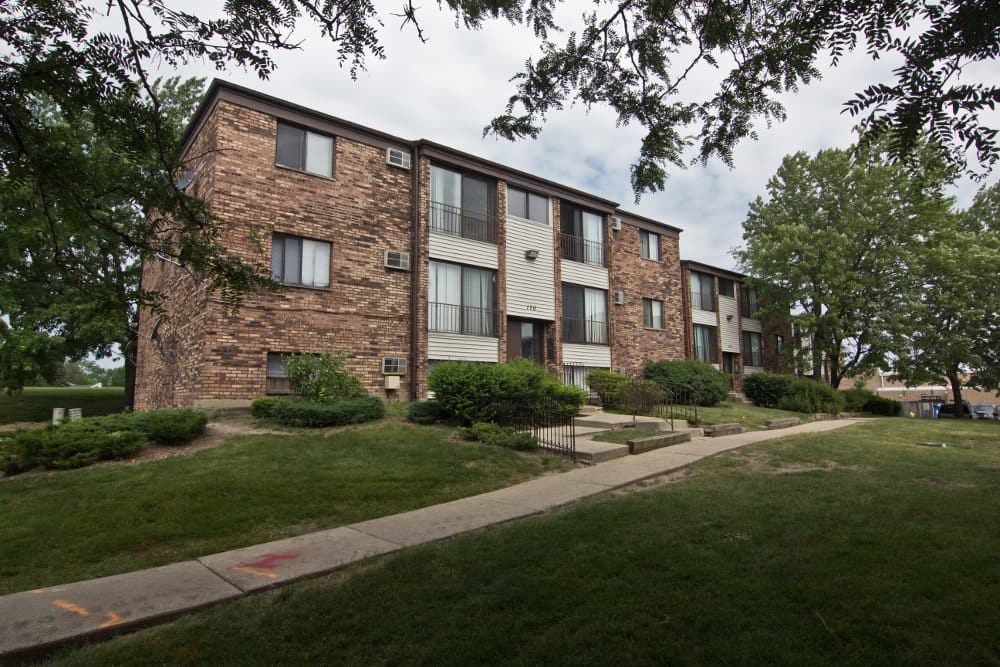 Affordable apartments at The Flats at Gladstone in Glendale Heights, IL