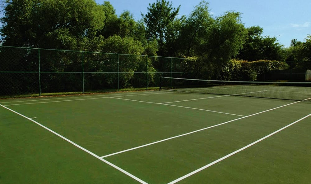 Waverlywood Apartments Townhomes Tennis Court in Webster, NY