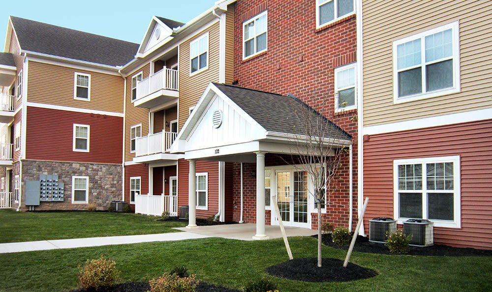 Ethan Pointe Apartments Colorful Exterior in Rochester, NY