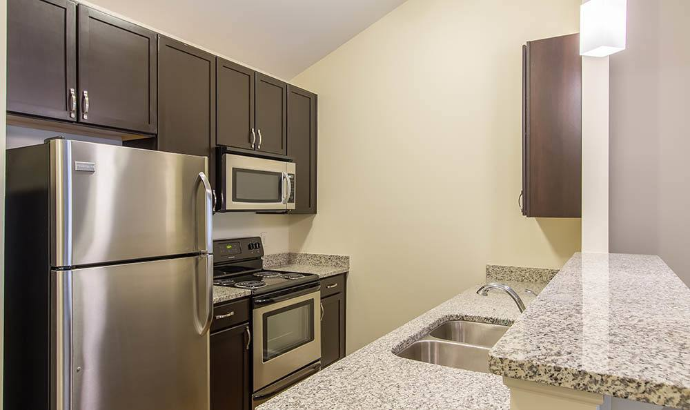 Ethan Pointe Apartments Kitchen Appliances in Rochester, NY