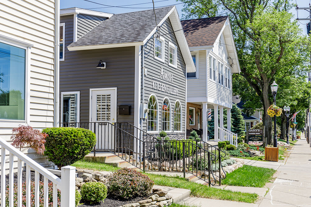 Call Green Lake Apartments home!