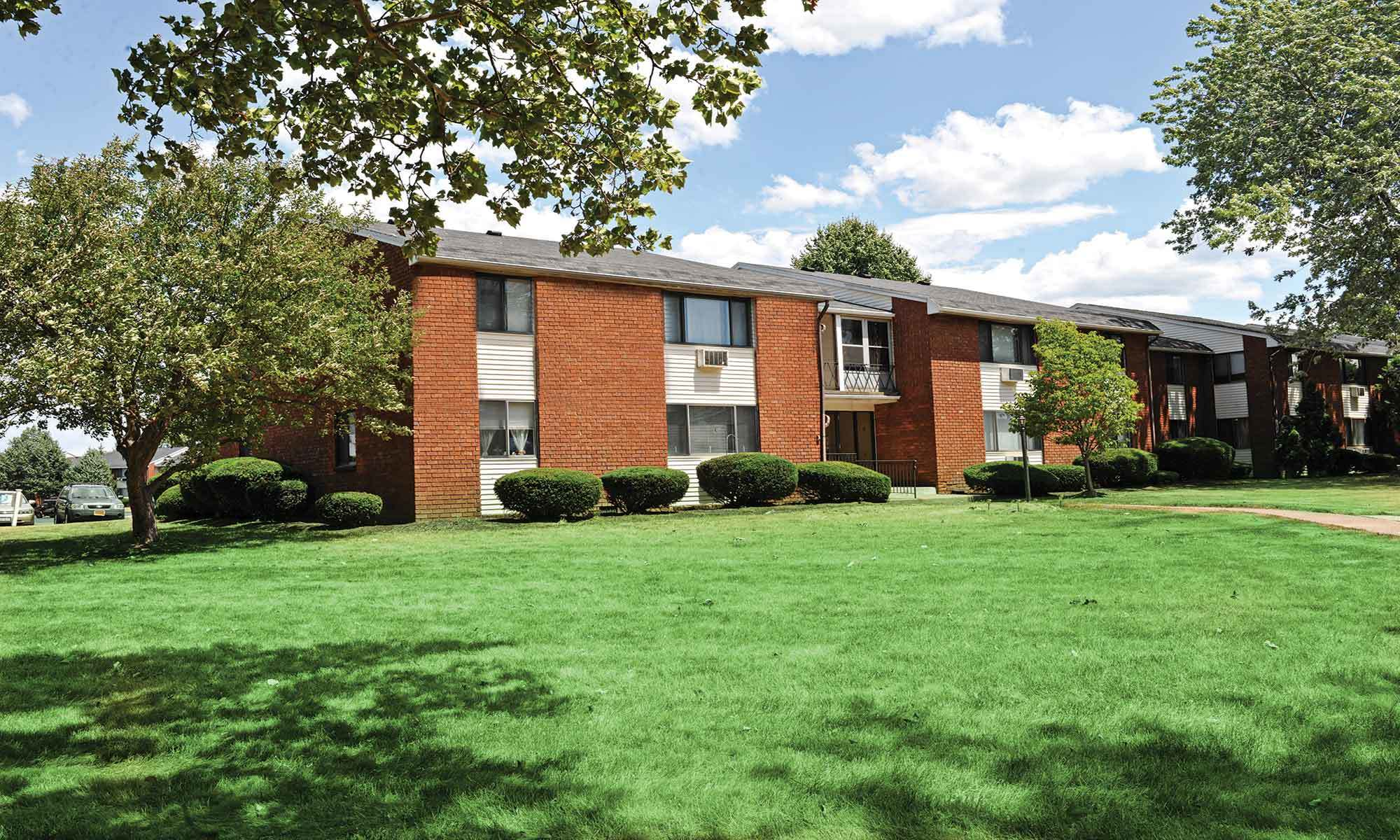 Welcome to King's Court Manor Apartments in Rochester, NY