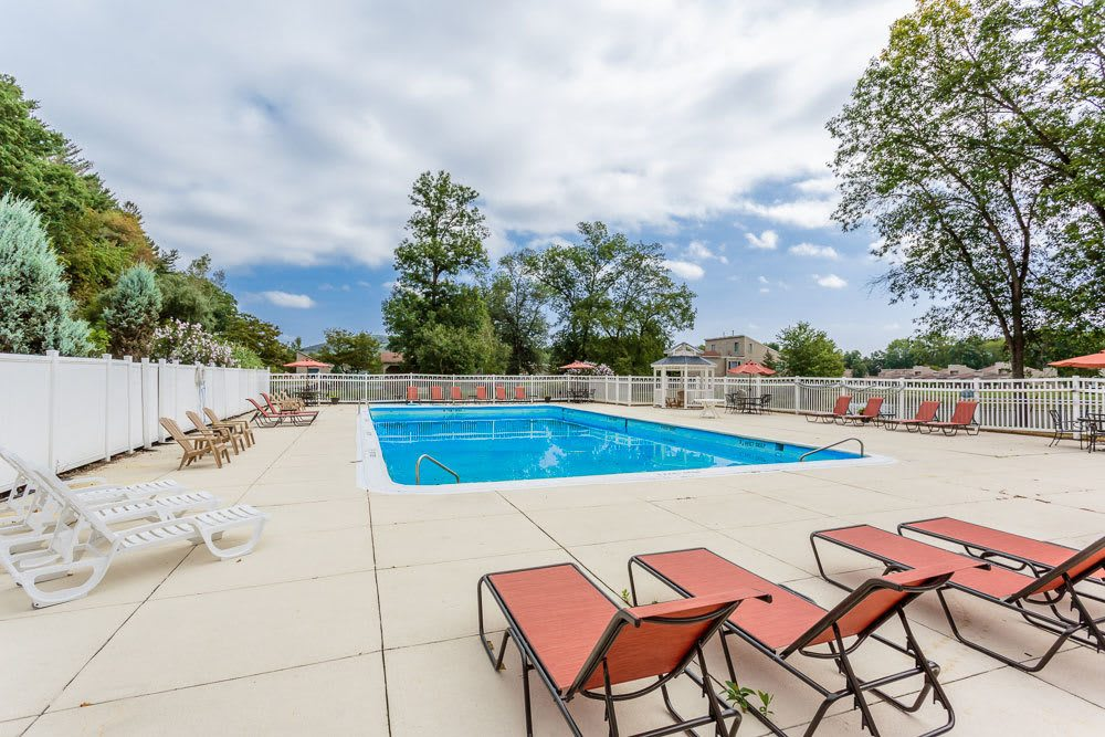 A sparkling pool is just one of the many amenities that Emerald Springs Apartments has to offer