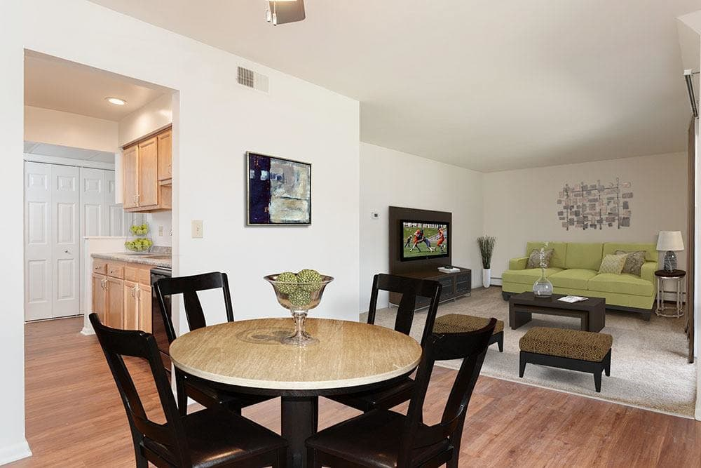 dining room at Steeplechase Apartments in Camillus, NY